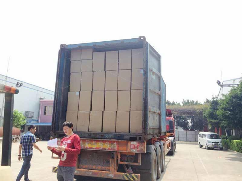 Loading BOPP lamination film container to Kuwait