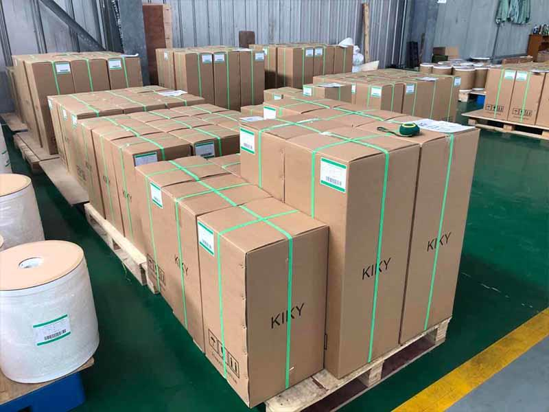 Bopp hot lamination film 27mic with strong package cartons to U.K market in full container