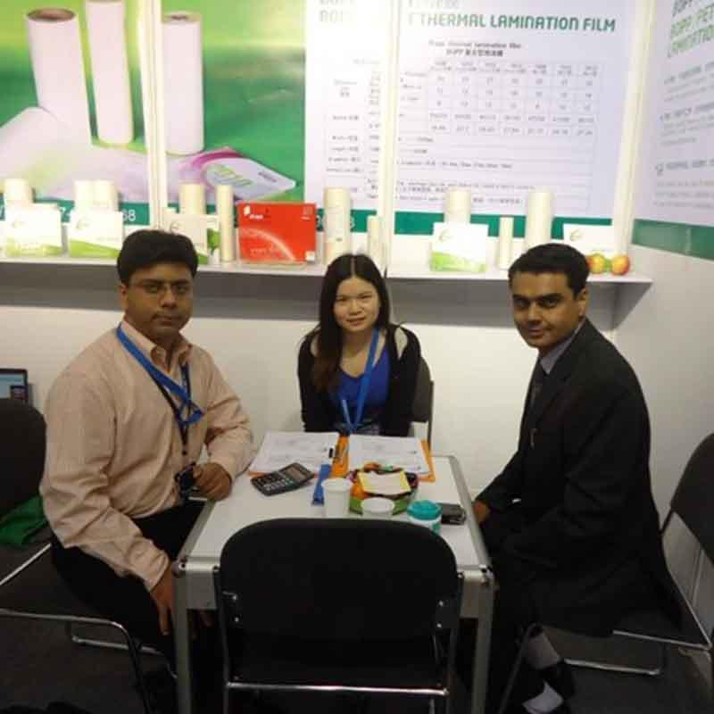 Customer from Macedonia consults about hologram laser film in Print China Exhibition 2017